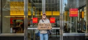 Сотни ипотечников лишись жилья из-за компьютерного сбоя в банке